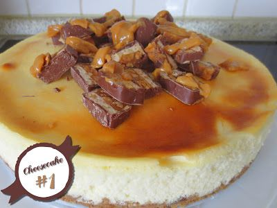 Cheesecake mit Erdnuss-Topping