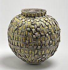 Embarcación en amarillo y beige por Boyan Moskov (recipiente de cerámica)
