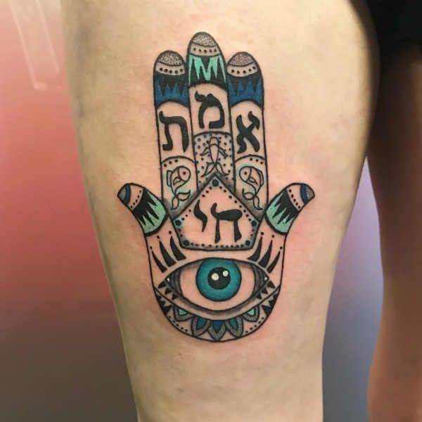 Hamsa tatuering: Betydelse, design, historia och foton, Tatuering idéer och betydelser