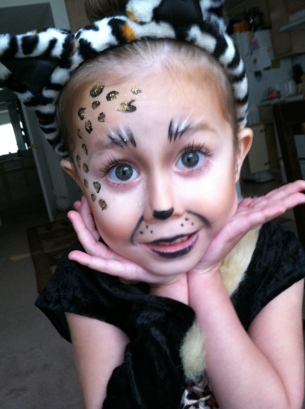 Halloween makeup for kids!!! Cheetah Girl! Halloween
