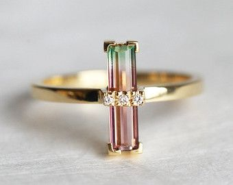 Fabulous One of a kind beautiful handmade Diamond and bi colour Tourmaline ring Product details Gemstone Watermelon tourmaline x Quality VS clarity