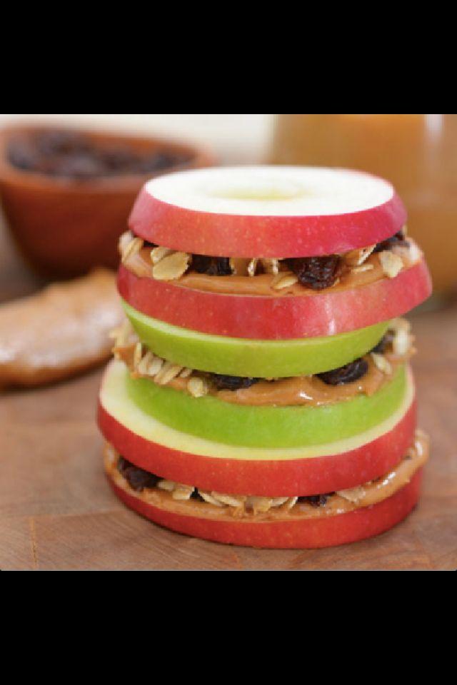 Manzana, crema de cacahuate y granola