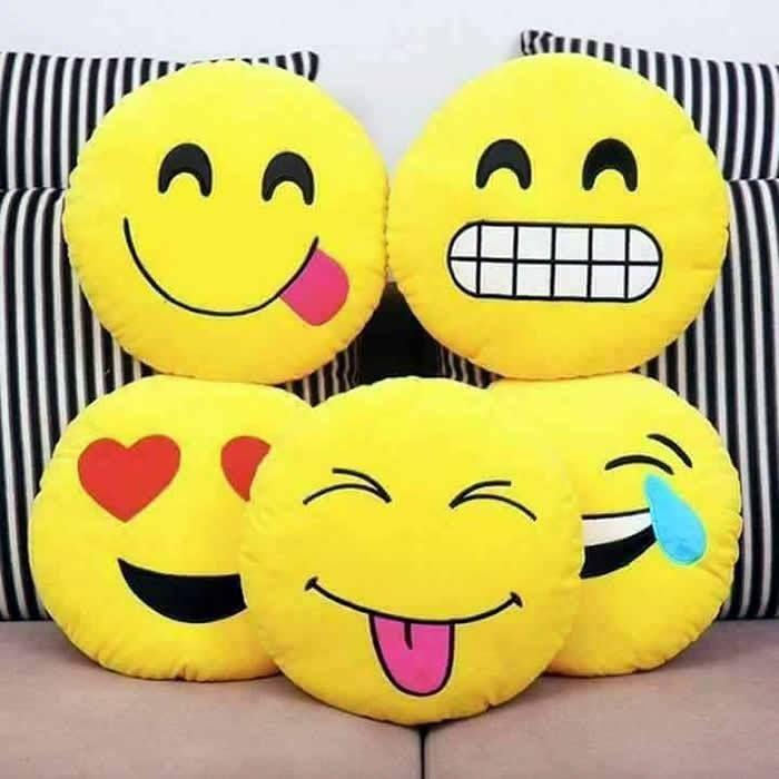 Emoji Pillows (con imágenes)   Cojin de emoji, Cojines, Emojis