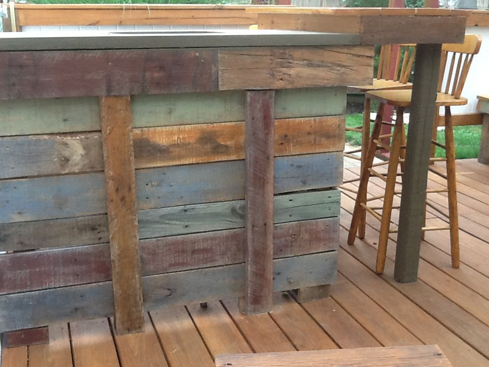 Outdoor Bar Made From Pallets With Multi Colored Stain Bar Made