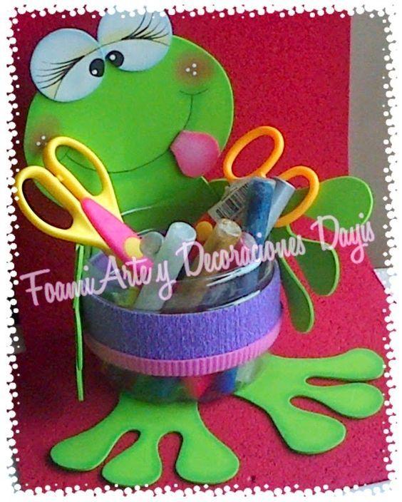 Foamiarte y decoraciones dayis tarritos decorados con for Decoraciones de botes de plastico