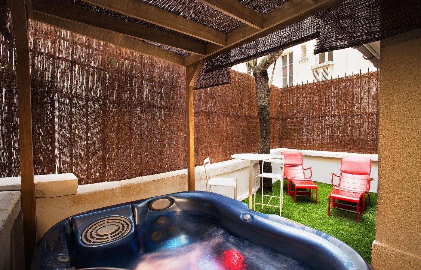 The Five Hotel Paris Maranatha Hotels Suite Avec Jacuzzi