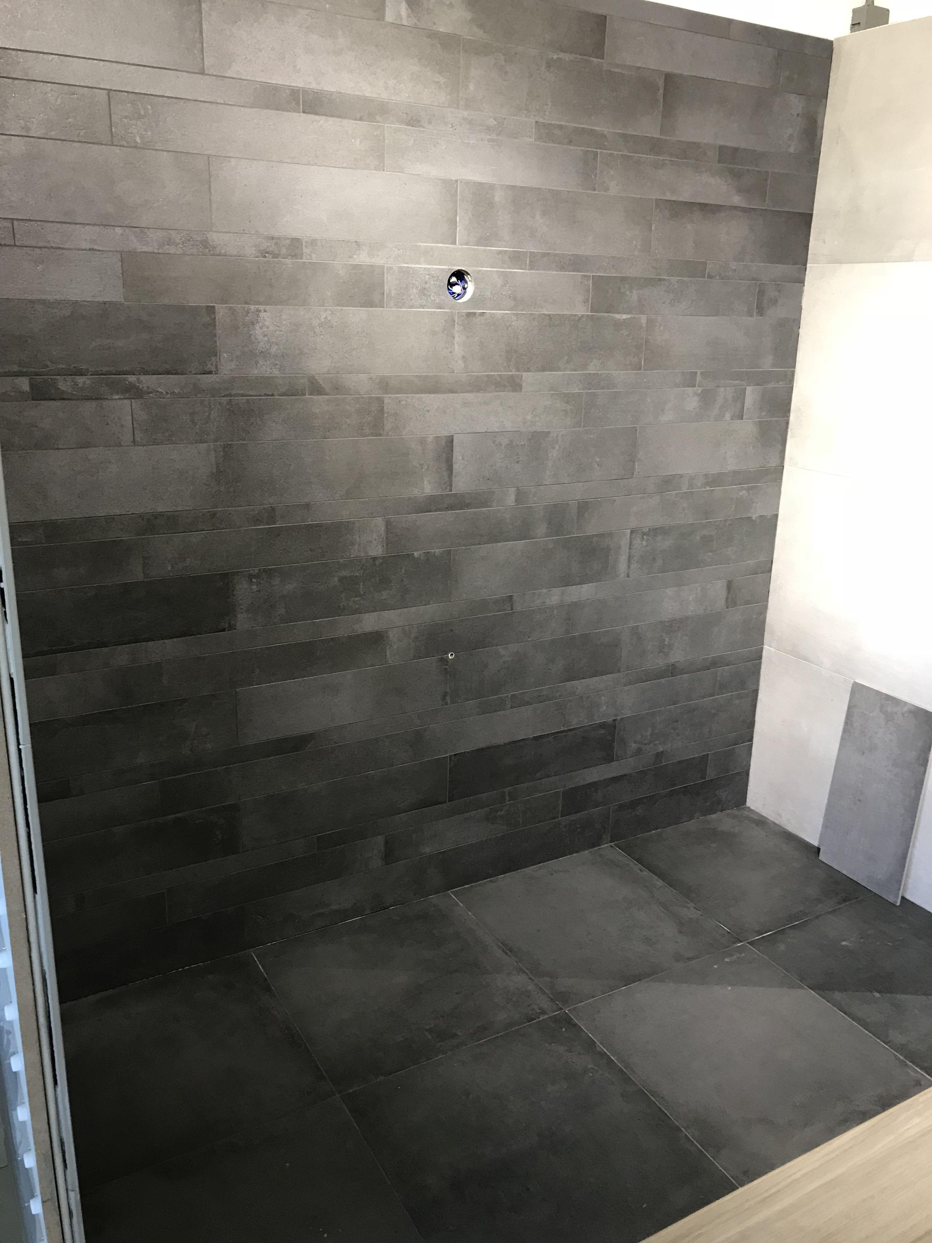 Tegelstroken antraciet cercom | Badkamer tegels | Pinterest