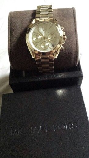 michael kors broadshow gold watch this is my favorite gold watch