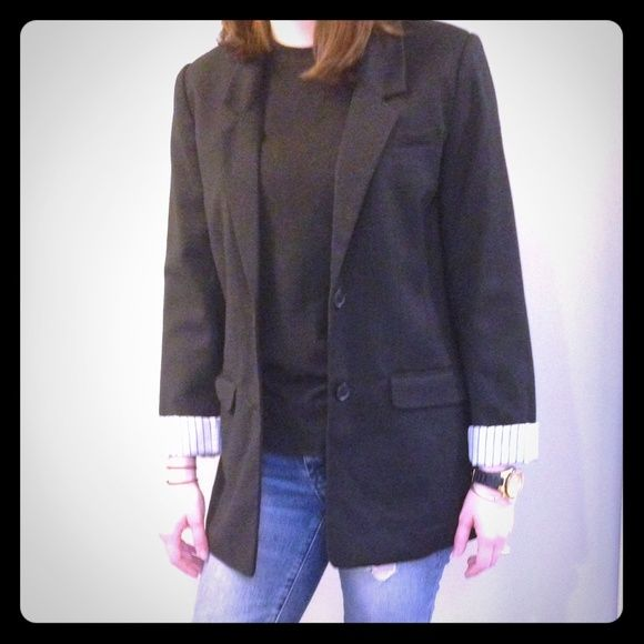 Sale! Beautiful black blazer size 6 Casual black blazer size 6 from H&M. Perfect with jeans for casual work day or date night! Great condition. Make me an offer. H&M Jackets & Coats Blazers