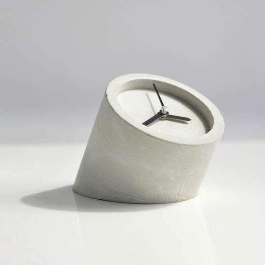 Diy Minimalist Cement Clocks Minimalist Clocks Concrete Diy Wooden Clock