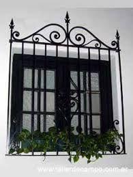 Resultado de imagen para ventanas y balcones coloniales for Puertas coloniales antiguas