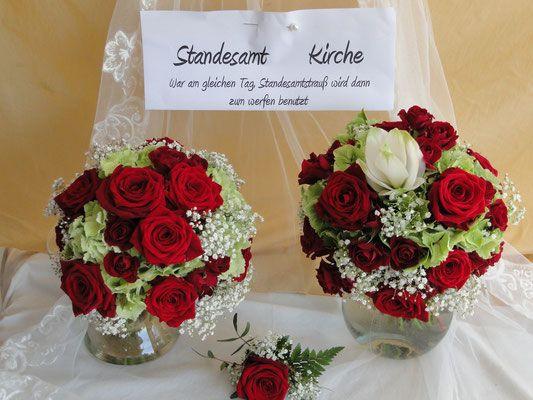 Je Ein Hochzeitsstrauss Fur Kirche Und Standesamt Hochzeitsdeko Von Franz Und Karin 84155 Aich Niederaicher Hochzeitsdeko Hochzeit Strauss Hochzeitsgestecke