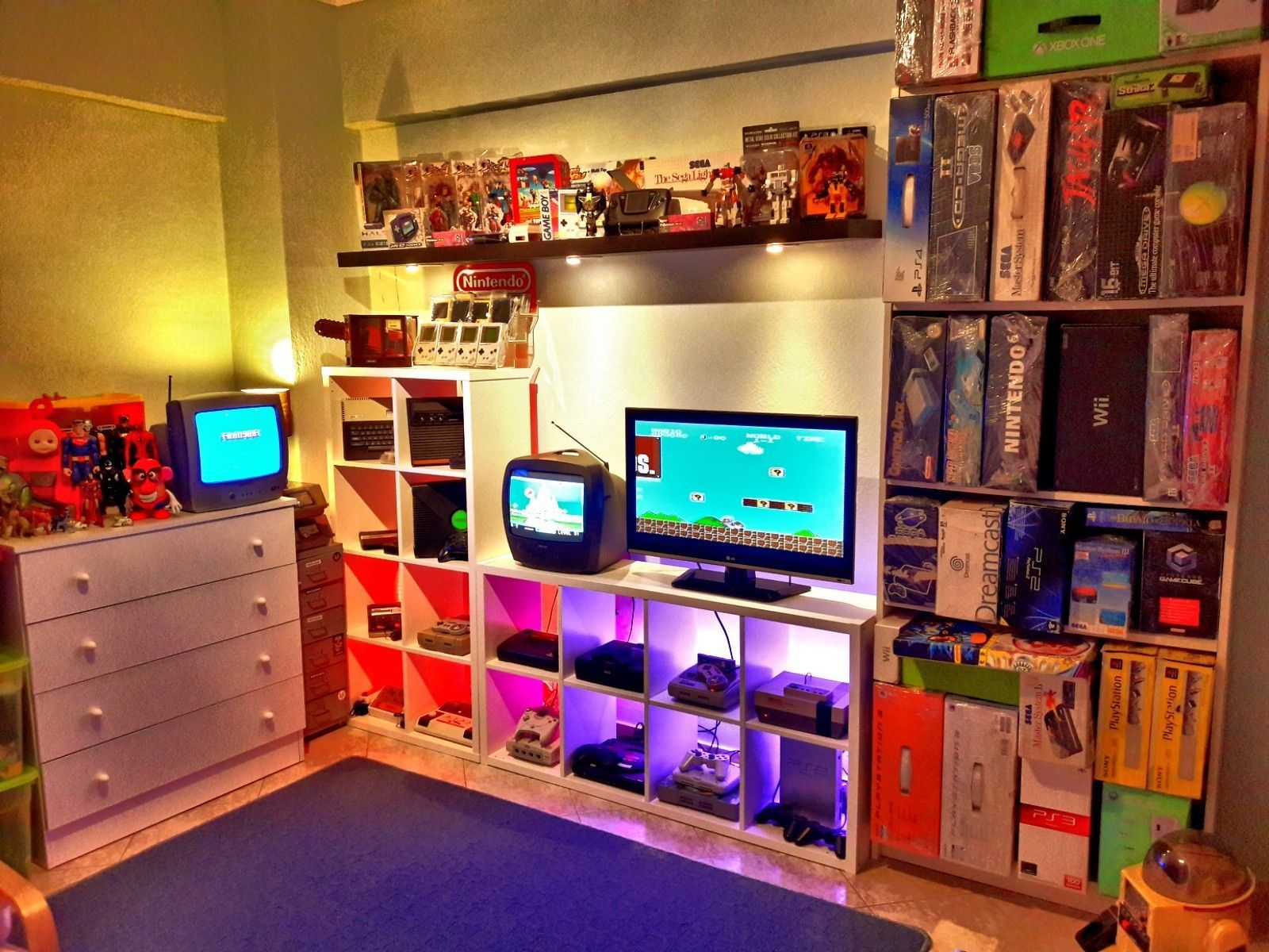 My son 39 s game room by george mark thessaloniki 2018 geek en 2019 chambre gaming salles de - Chambre game but ...