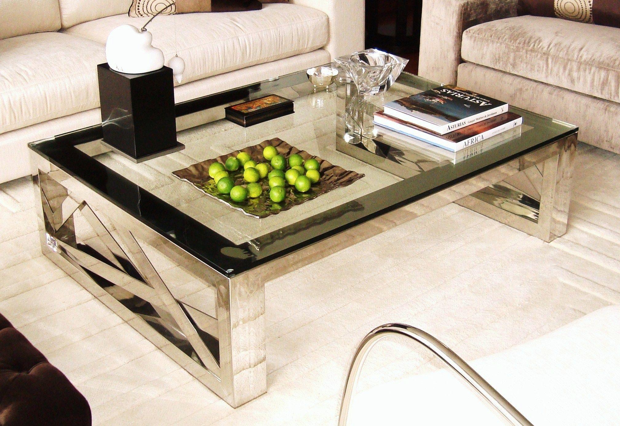 Mesa de centro Yakarta, de la colección Metrópolis. #livingdesign #muebles #furniture