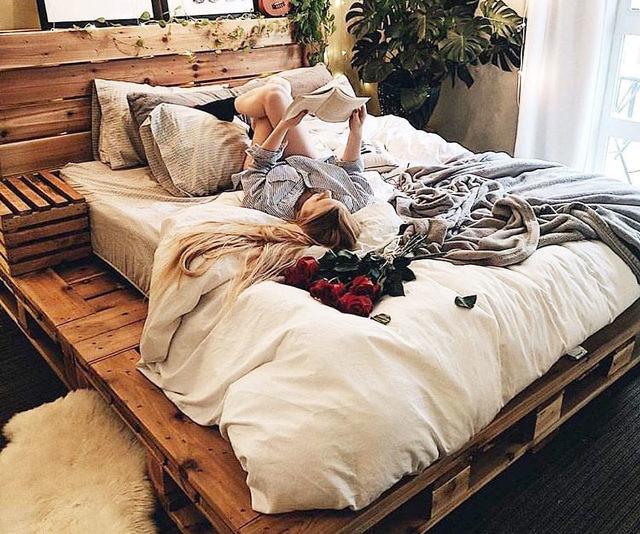Wooden Pallet Beds In 2020 Diy Pallet Bed Bed Frame Design