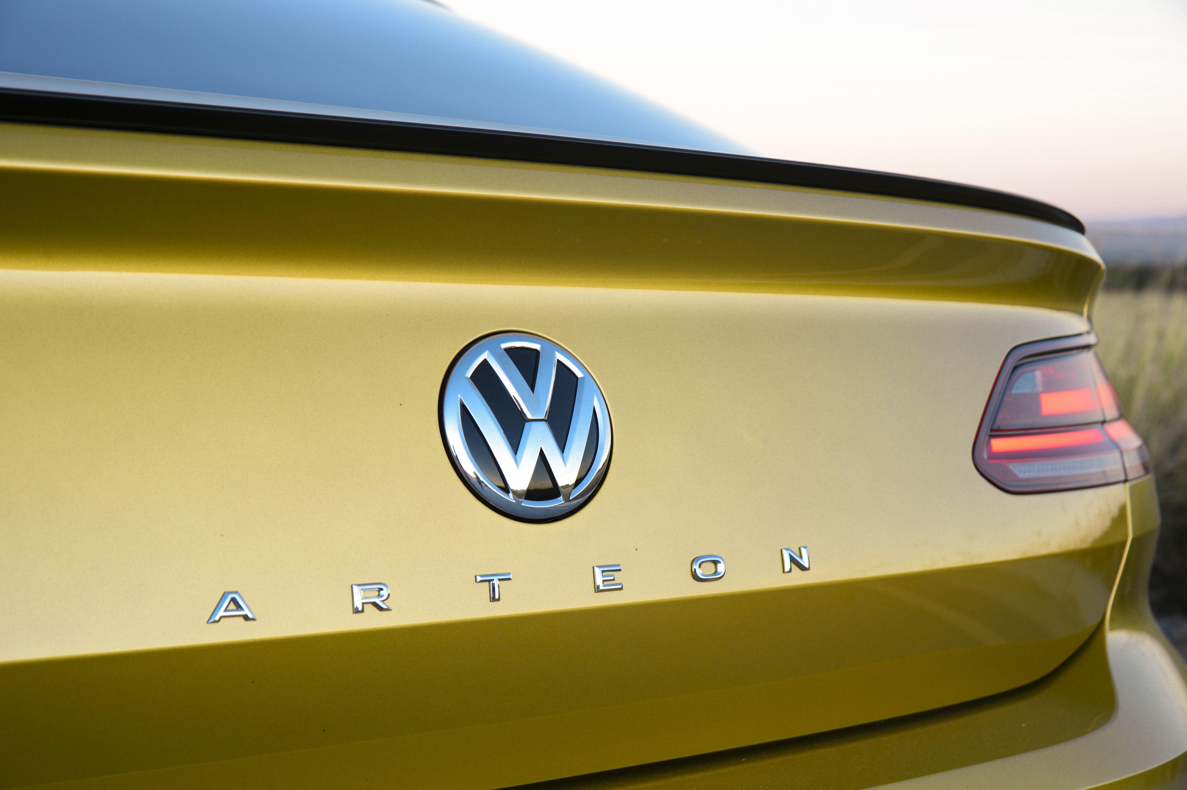 Cc Replacement The Arteon In 2020 Volkswagen Phaeton Volkswagen Logo Volkswagen