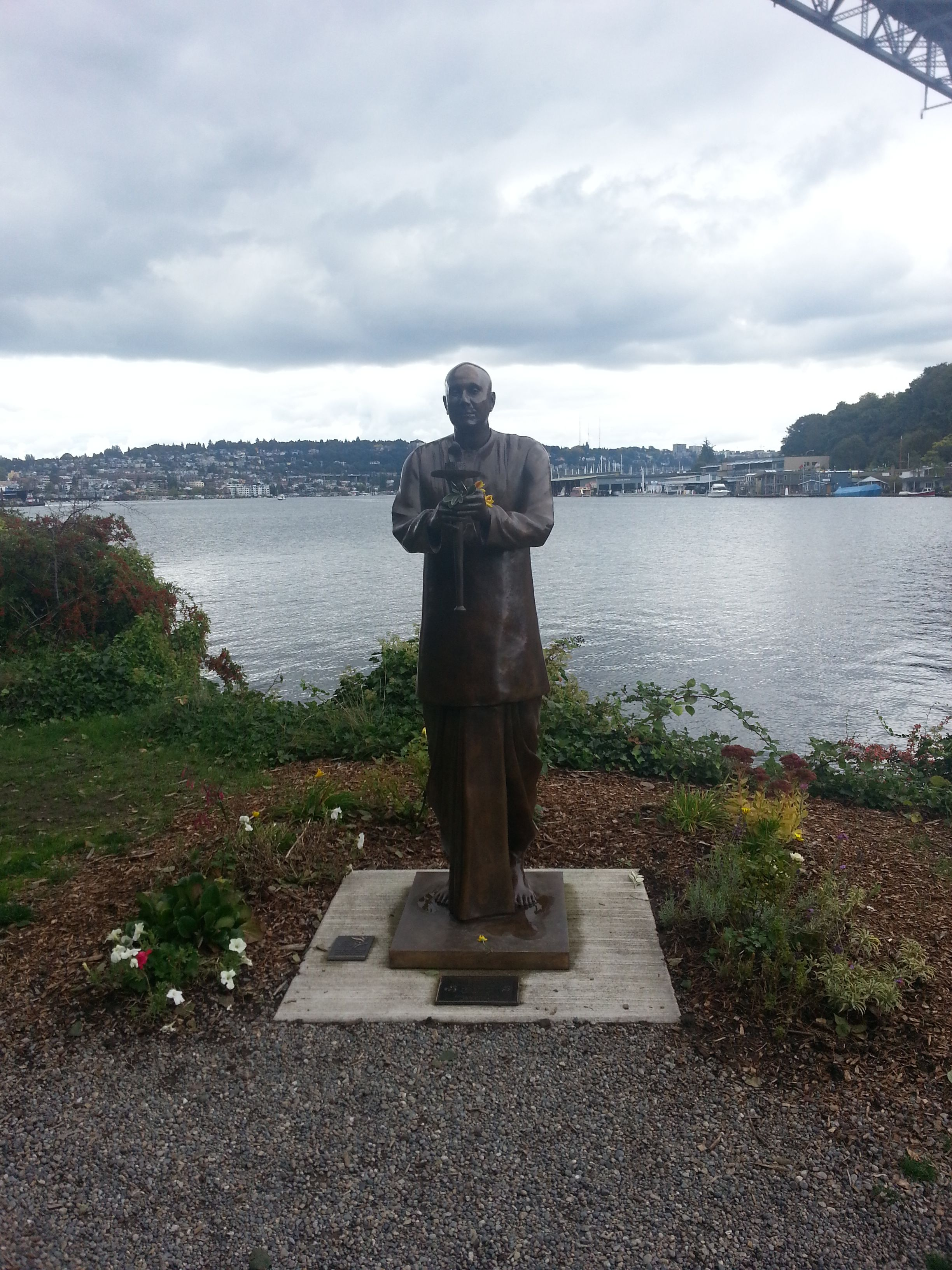 Seattle Map Lake Union%0A Sri Chinmoy Memorial Statue  South Lake Union
