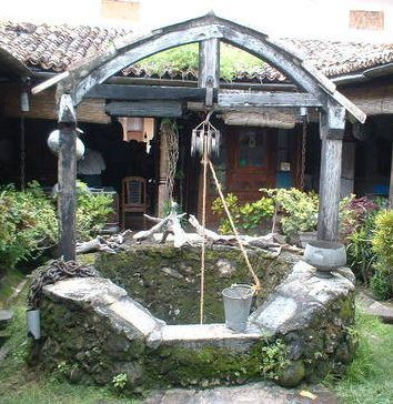 Http Www Bushywood Com Sussex Sustainable Housing Pictures Well Ancient Galle Sri Lanka Water Raised In Buckets Rope Pulley Wellness Design Water Well Water