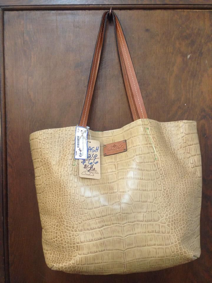 24f5cf524759 Patricia Nash  designer  handbag  Greenwood  Indianapolis  Indiana   consignment and  resale  shop now.  save  sale  discount Open Daily www.