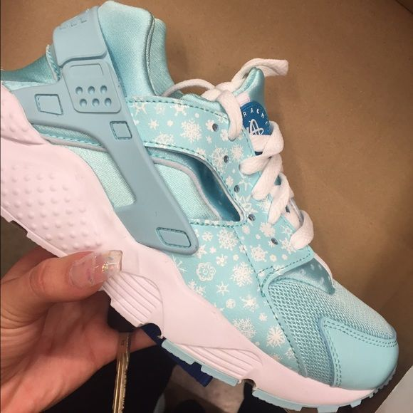 reputable site e4b63 ae5a0 sz 6Y blue frozen huaraches (runs small) fits like a 4.5/5Y ...