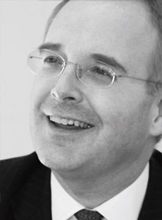 Andrew Peddie Partner Corporate & Commercial Lawyer Pitmans T: 0118 957 0321 E: apeddie@pitmans.com Corporate Law, Commercial Law, Defence & Security Sector, Real Estate Sector, Technology Sector, Company Lawyer. Highly Regarded, Legal 500, Top Lawyer