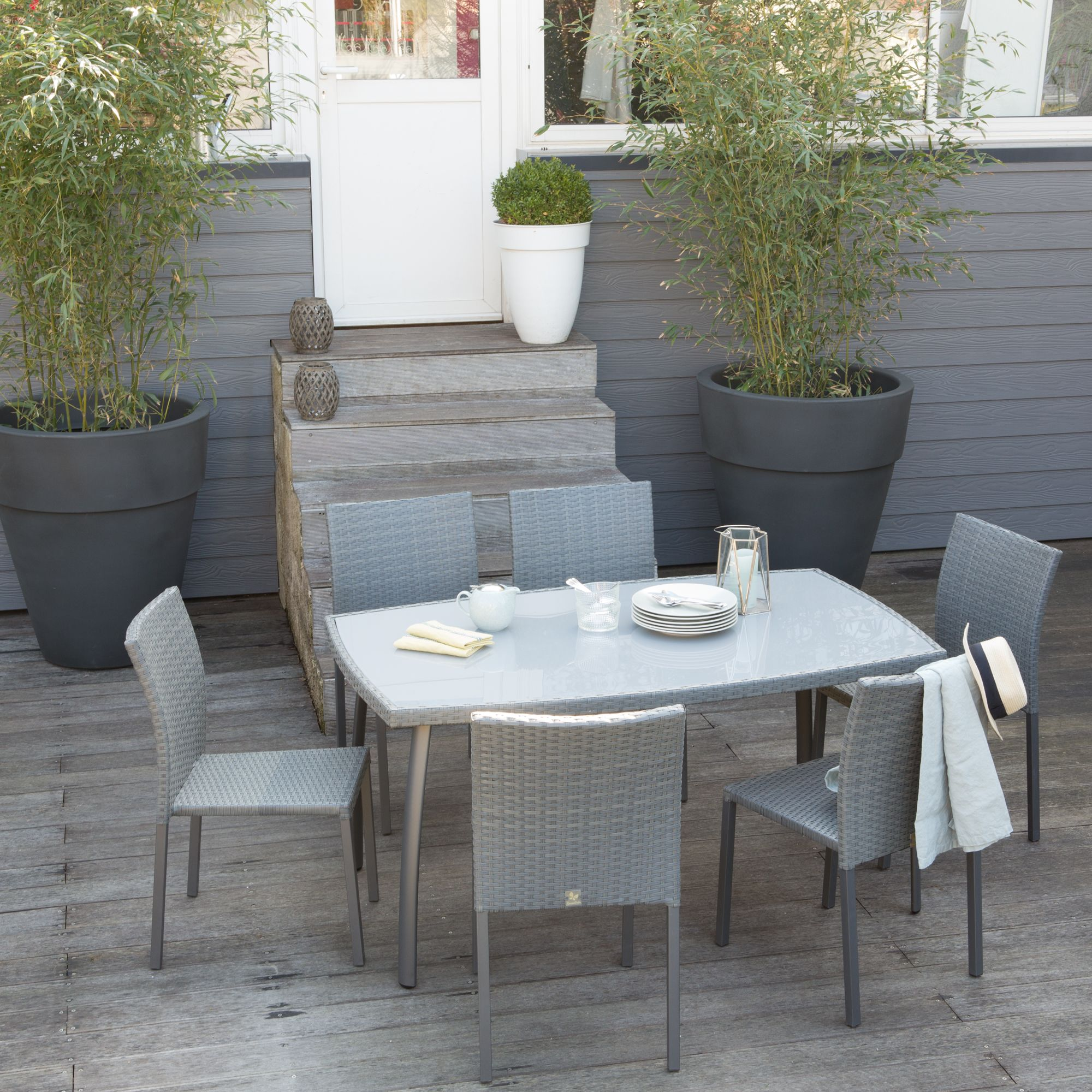 Salon de jardin 6 places en r sine tress e grise table for Table et chaise de jardin en resine tressee gris