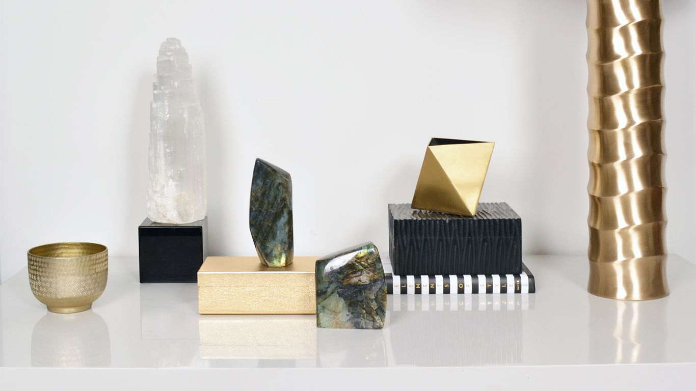 New lifestyle picture taken at our Chelsea Showroom.  Aura crystals, bowls, boxes and bamboo lamp.