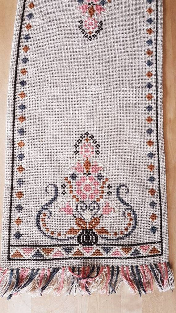 Beautiful retro cross stitch embroidered tablerunner in linen from Sweden