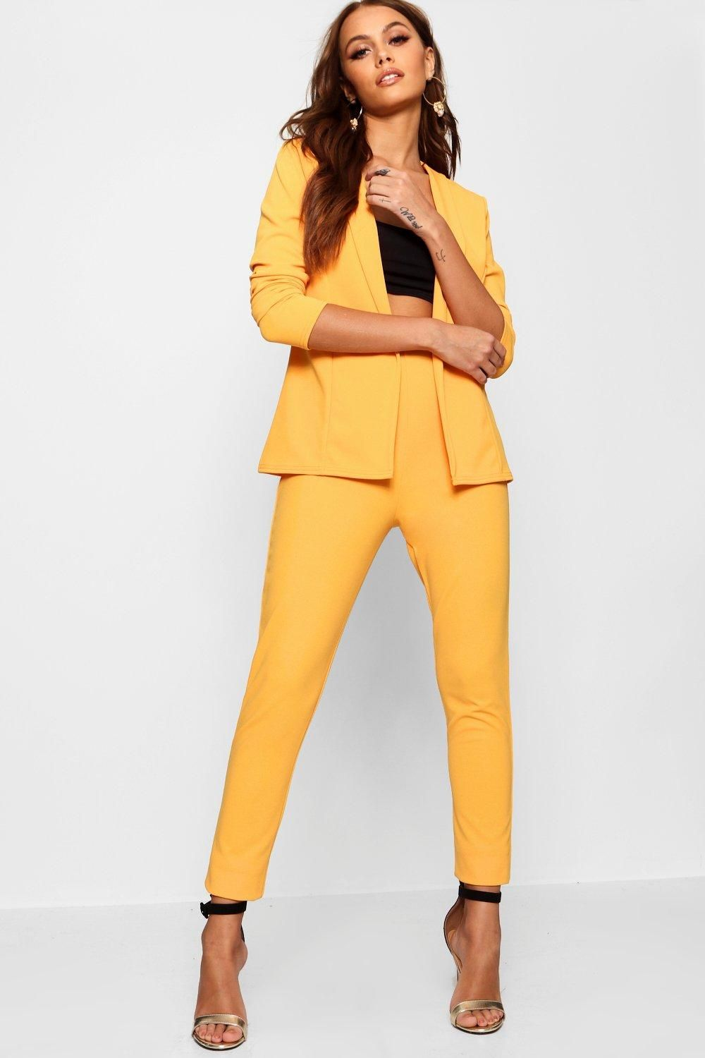 e251c38fd51e2 Click here to find out about the Ella Crepe Fitted Suit from Boohoo, part  of our latest NEW IN collection ready to shop online today!