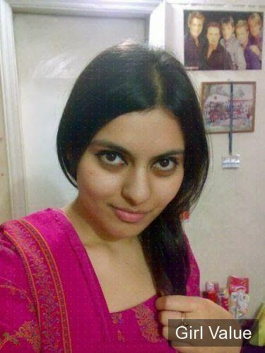 Pakistani Girl in Shalwar kameez