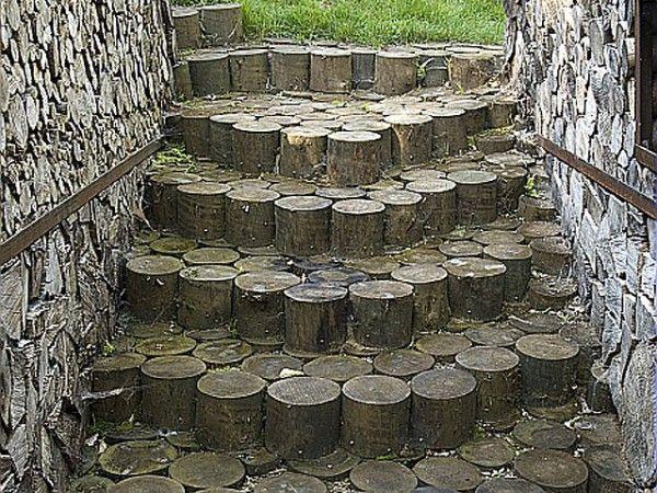 Log steps escaleras escaleras jard n jardines y for Escalera de madera al aire libre precio