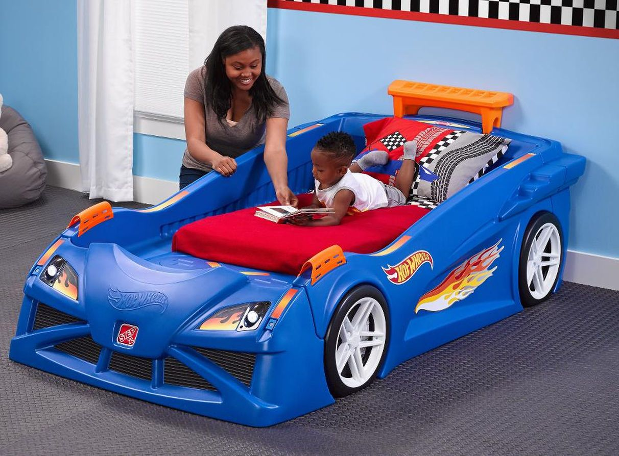 Step2 Hot Wheels Toddler To Twin Race Car Bed With Images Race