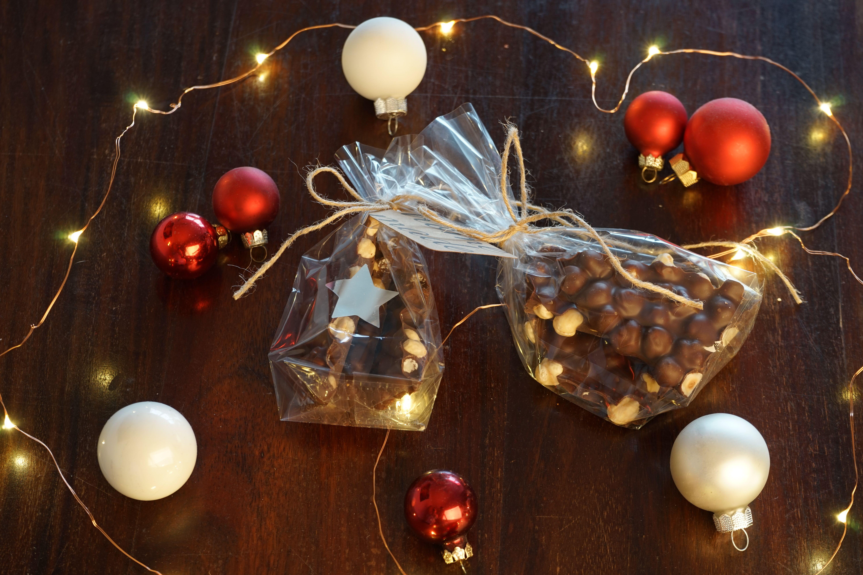 https://youtu.be/jalp2dyD0GI Nussbruch Weihnachtsgeschenk Nussknacker Nussschokolade do it yourself Edible Gift