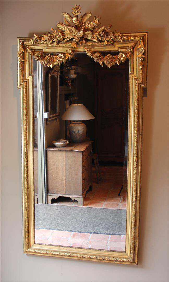 Pin Op Antique Mirrors