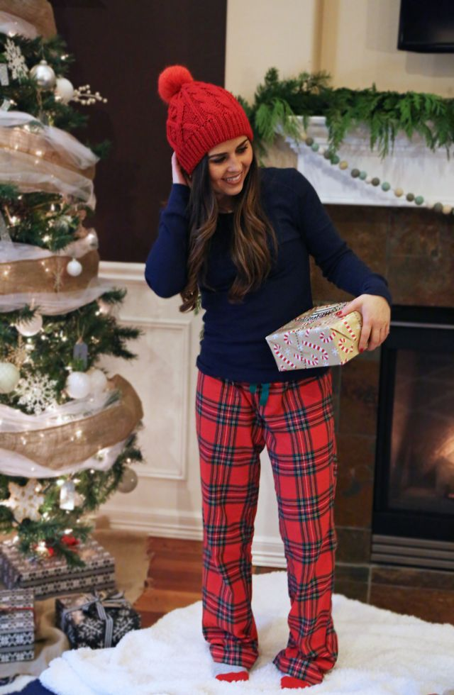 christmas pajamas. (Corilynn) | Outfit hochzeit, Gast und Outfit