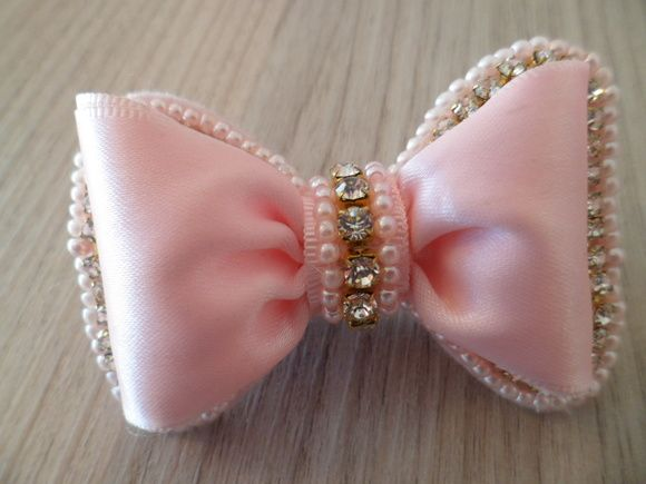La 231 O No Bico De Pato Tiaras Pinterest Hair Bow