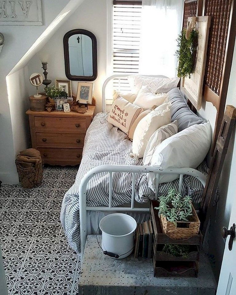 10 Tips On Small Bedroom Interior Design: 57 Comfortable Small Bedroom Decor Ideas With Space Saving