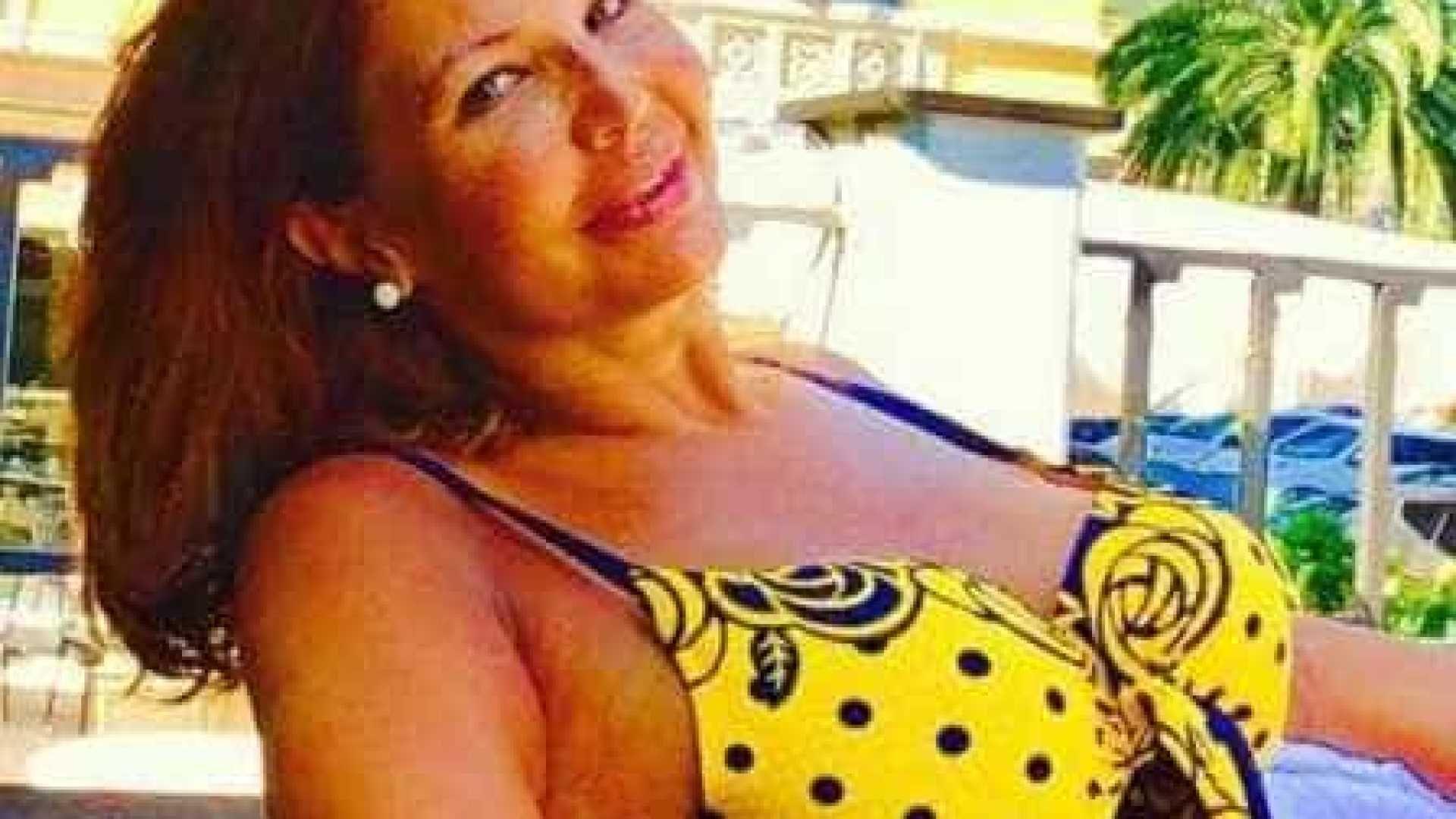Anahi Nua aos 52 anos, roberta close aparece de biquíni durante férias