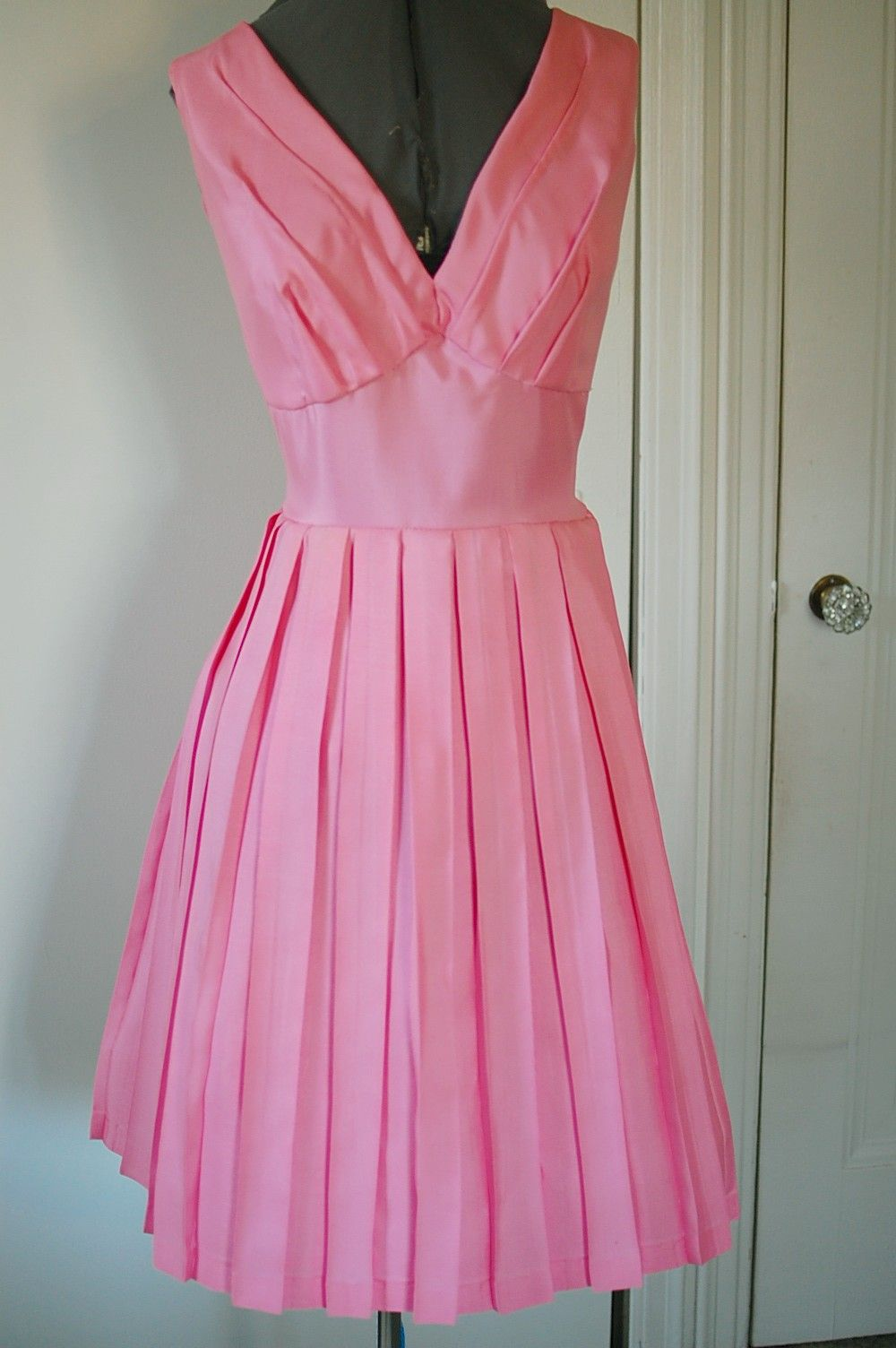 Hermione Granger pink dress (HP6): http://www.tavarieldesign.com ...