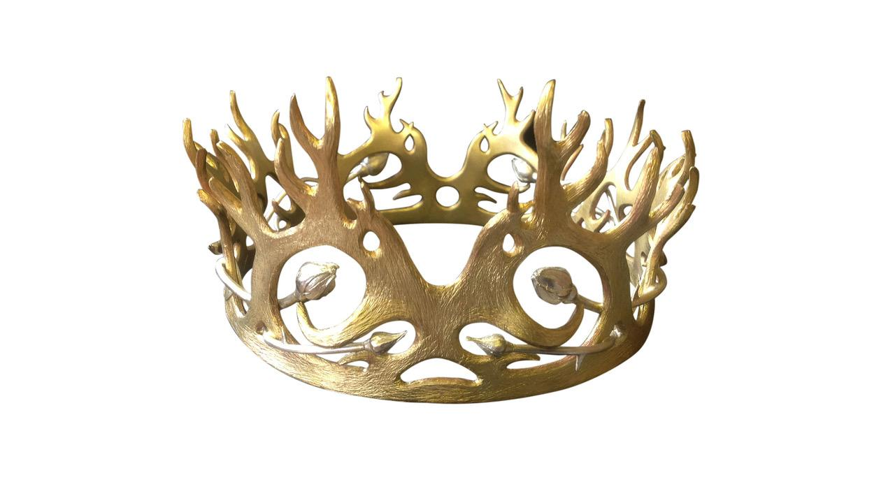 Joffery Baratheons Crownmargaery Tyrell And Joffery Baratheons Wedding In Series 4 Episode 2 Was An Ex Game Of Thrones Jewelry Game Of Thrones Lion Pendant
