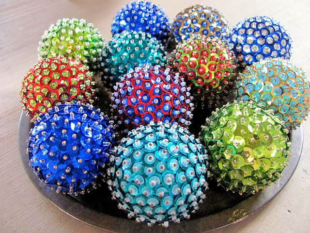 Attractive Styrofoam Christmas Ornaments Part - 5: DIY Christmas Ornaments! All You Need Is A Styrofoam Ball, Sequins And Pin.