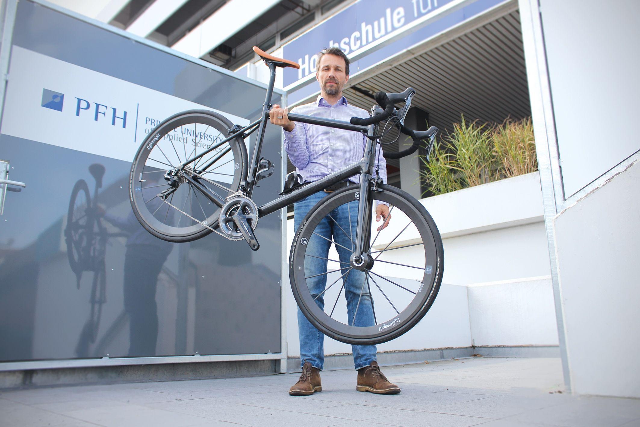 Das Weltweit Leichteste E Bike Mit Integriertem Akku Integriert Elektro Motor Rennrad