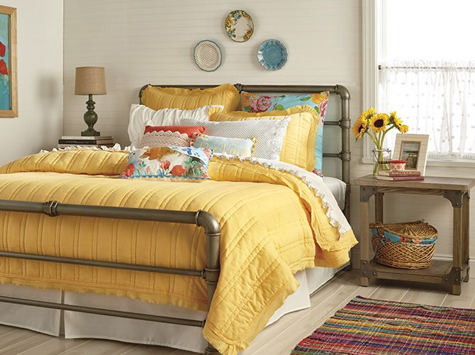 Mix, Match & Make It Your Own The Pioneer Woman Bedding Is Here   Woman bedroom, Pioneer woman ...