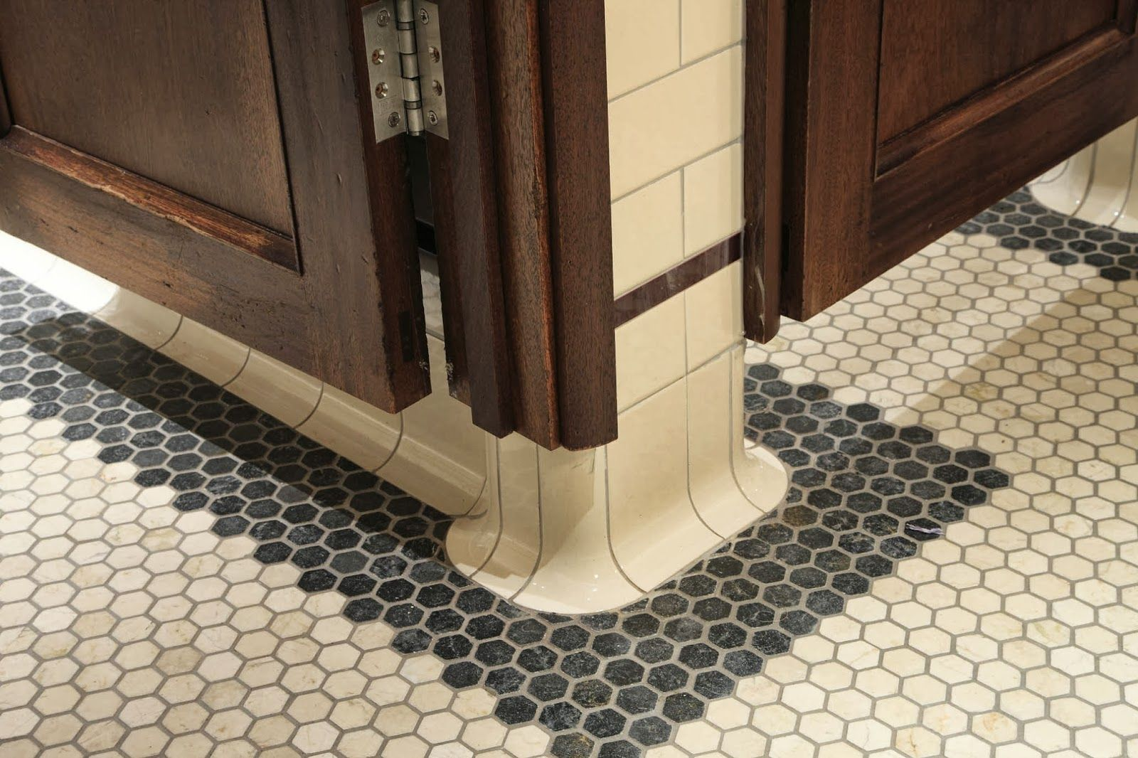 Curved Bathroom Edging Tiles