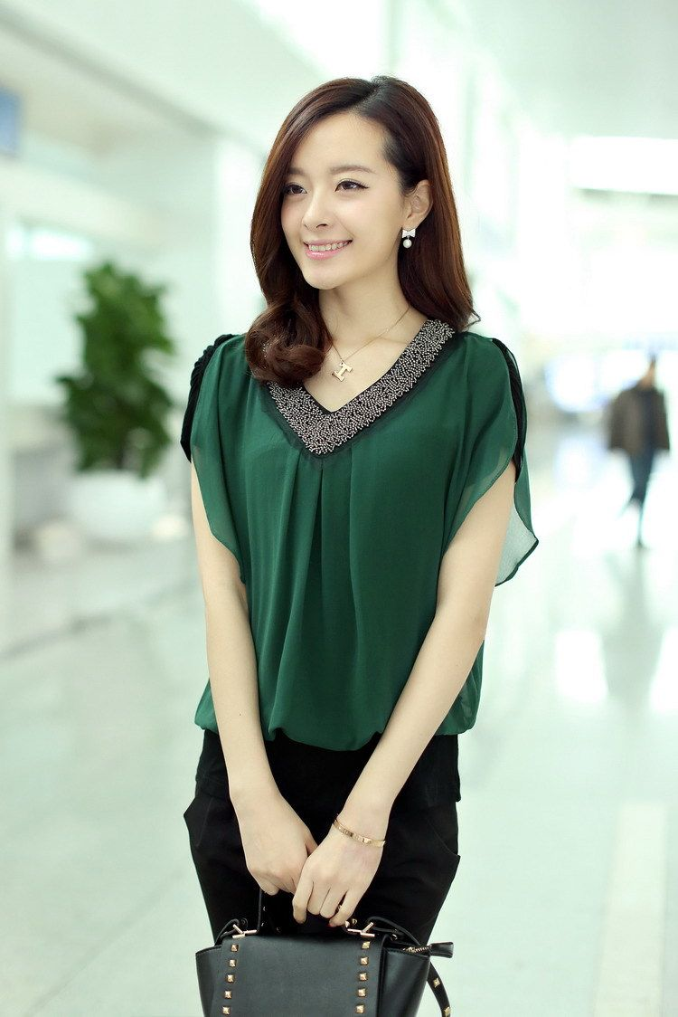 bce7278c83d7 blusas femininas de luxo - Pesquisa Google | look | Blusas decotadas ...