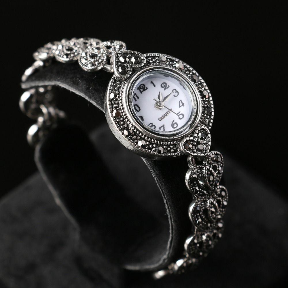 Barato Resina moda pulseira de charme individualidade elegante relógio digital relógios frete grátis, Compro Qualidade Women's Bracelet Watches diretamente de fornecedores da China: