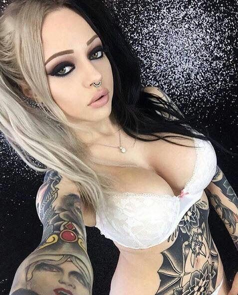 Pin En Mujeres Sexi Tatuadas