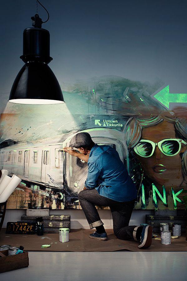 Tuo hohdetta tilaan pimeässä hohtavalla Taika Glow -efektilakalla #taikaglow #tikkurila #sisustaminen #urbaani #sisämaalaus #maalaus #efektiseinä #pimeässähohtava
