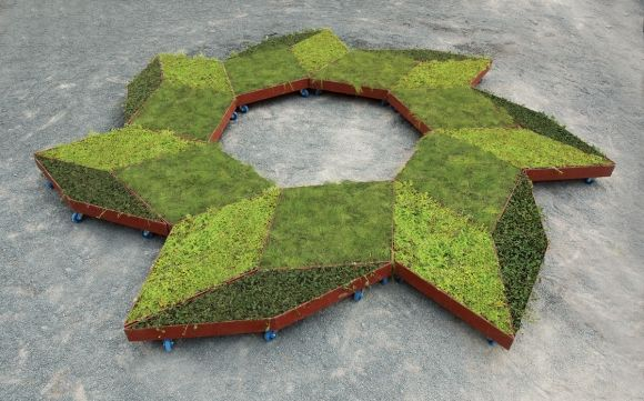 Fractal Garden by Murry Legge    For architect and artist Murry Legge, gardens ought to inspire and empower individualism, creativity and mutability. His Fractal Garden, originally a commissioned work for The International Garden Festival held at Jardins de Metis in Québec...