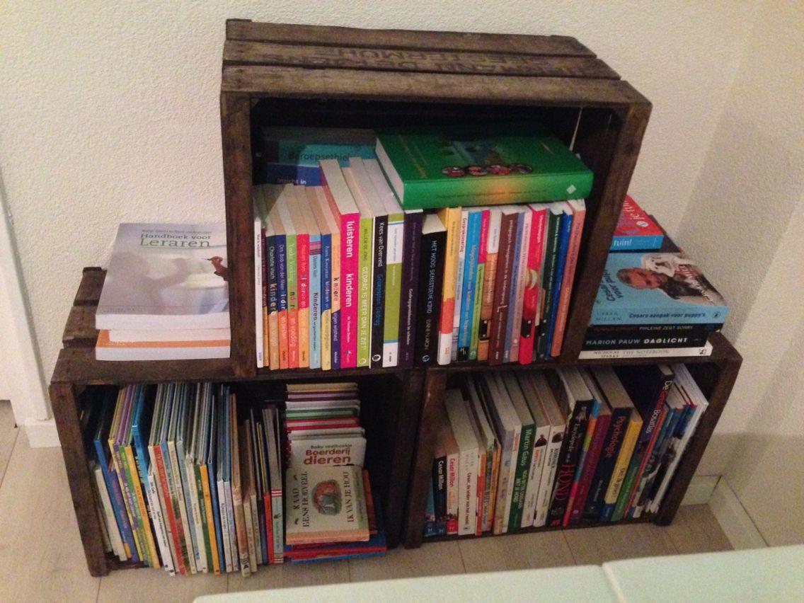 Fruitkisten boekenkast